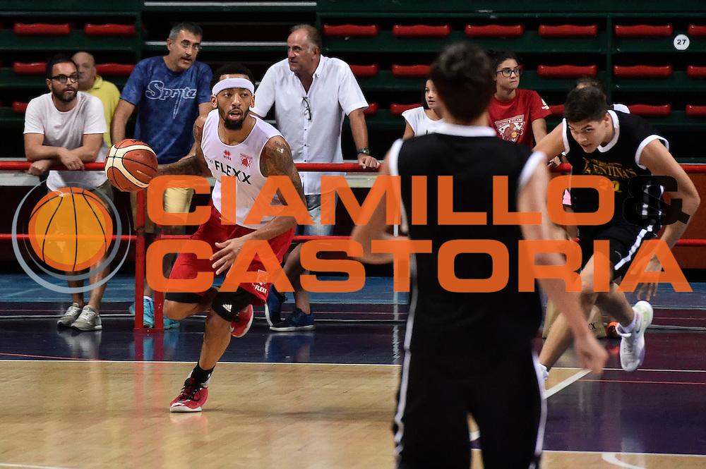 Terran Petteway<br /> The Flexx Pistoia - Valentina's Bottegone<br /> Legabasket Serie A 2016/2017<br /> Montecatini, 28/08/2016<br /> Foto Ciamillo-Castoria