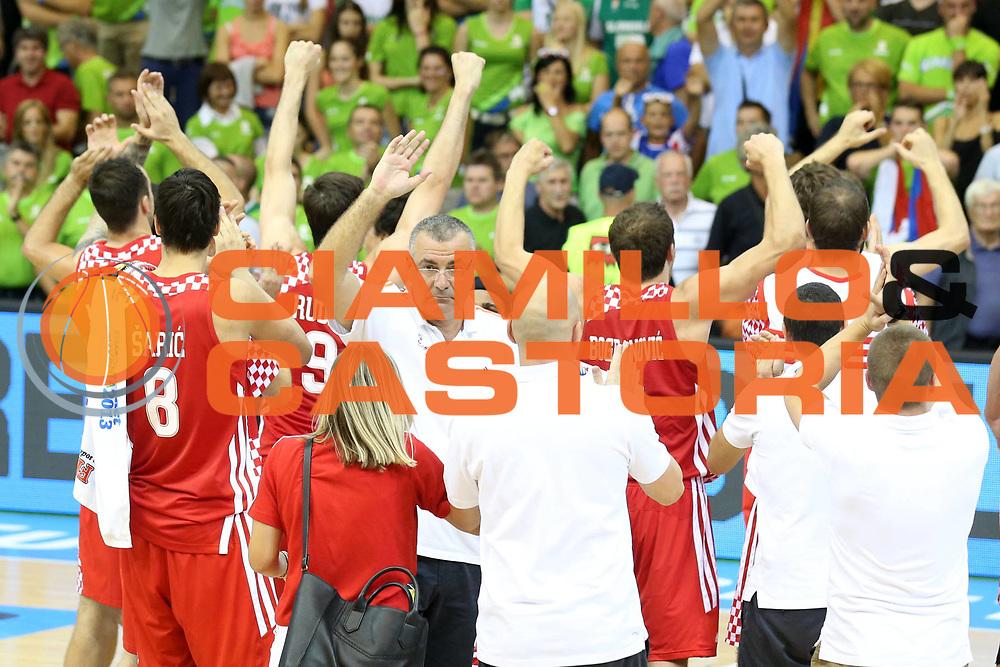 DESCRIZIONE : Celje Slovenia Eurobasket Men 2013 Preliminary Round Slovenia Croazia Slovenja Croatia<br /> GIOCATORE : Team Croazia Team Croatia<br /> CATEGORIA : esultanza jubilation<br /> SQUADRA : Croazia Croatia<br /> EVENTO : Eurobasket Men 2013<br /> GARA : Slovenia Croazia Slovenja Croatia<br /> DATA : 08/09/2013 <br /> SPORT : Pallacanestro <br /> AUTORE : Agenzia Ciamillo-Castoria/ElioCastoria<br /> Galleria : Eurobasket Men 2013<br /> Fotonotizia : Celje Slovenia Eurobasket Men 2013 Preliminary Round Slovenia Croazia Slovenja Croatia<br /> Predefinita :