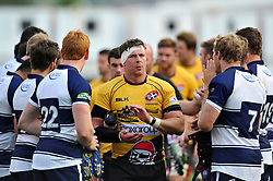 Chris Morgan of Cornish Pirates is applauded off by the Bristol Rugby players - Photo mandatory by-line: Patrick Khachfe/JMP - Mobile: 07966 386802 21/09/2014 - SPORT - RUGBY UNION - Bristol - Ashton Gate - Bristol Rugby v Cornish Pirates - GK IPA Championship.