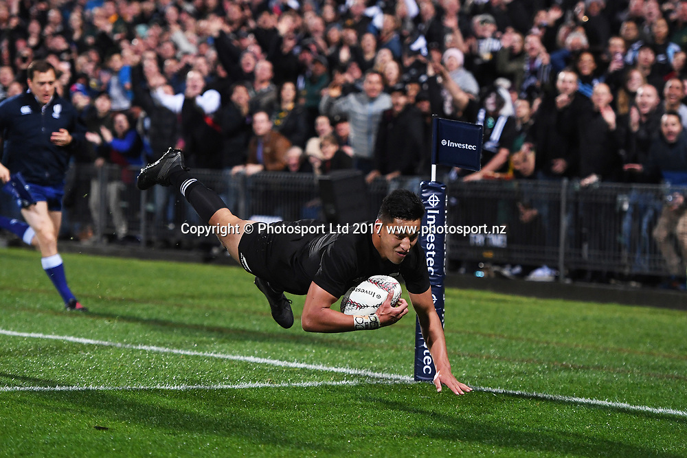 Rieko Ioane scores a try during the Rugby Championship test match rugby union. New Zealand All Blacks v South Africa Springboks, QBE Stadium, Auckland, New Zealand. Saturday 16 September 2017. © Copyright photo: Andrew Cornaga / www.Photosport.nz