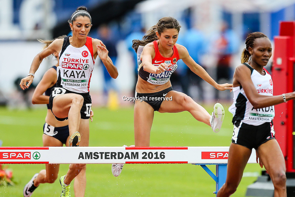 08.07.2016. Amsterdam, Holland. The European Athletics Championships. Gesa Filicitas Krause (GER)  Oetlem Kaya (TUR),  Meryem Akda (TUR). womens steeplechase