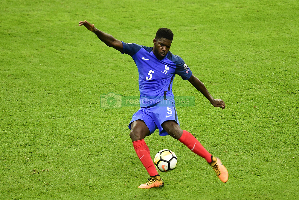 October 10, 2017 - St Denis, France, France - Samuel Umtiti  (Credit Image: © Panoramic via ZUMA Press)