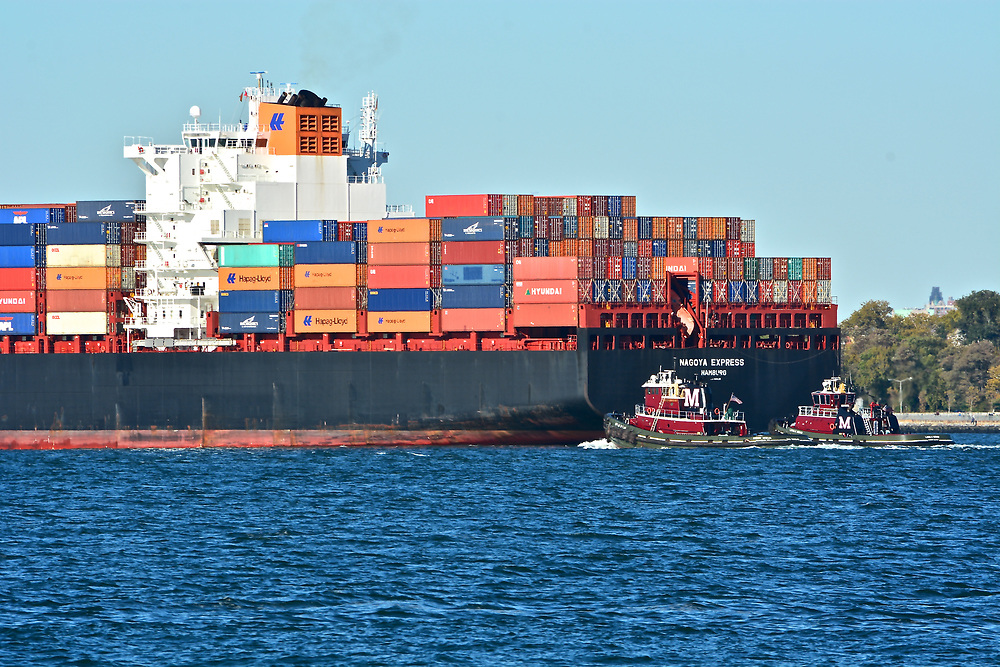 Images of Neopanamax Containership MV 'CMA CGM T Roosevelt' in New York Harbor