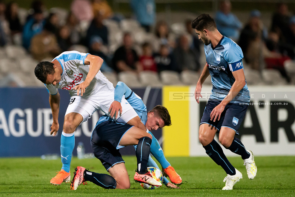 SYDNEY, AUSTRALIA - MAY 21: Kawasaki Frontale player Leandro Damiao (9) fights for the ball at AFC Champions League Soccer between Sydney FC and Kawasaki Frontale on May 21, 2019 at Netstrata Jubilee Stadium, NSW. (Photo by Speed Media/Icon Sportswire)