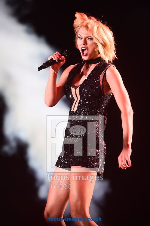 Taylor Swift live in concert during the US Formula One Grand Prix meeting at the Circuit of the Americas, Austin, Texas, USA.<br /> Picture by EXPA Pictures/Focus Images Ltd 07814482222<br /> 22/10/2016<br /> *** UK &amp; IRELAND ONLY ***<br /> <br /> EXPA-EIB-161024-0056.jpg