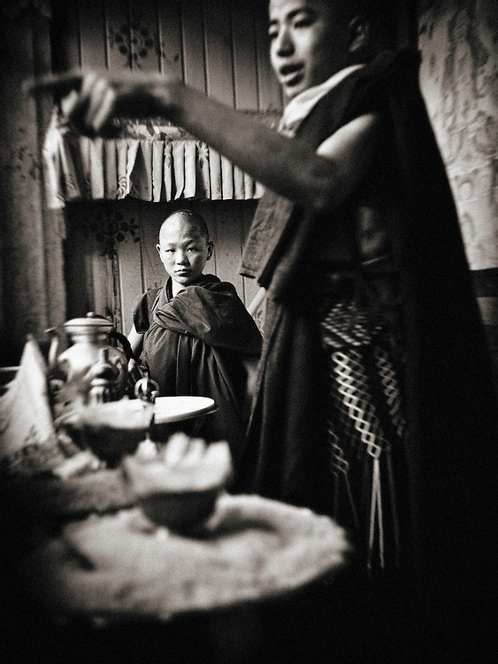 Asia,Bhutan;jakar,Dzong,young monks