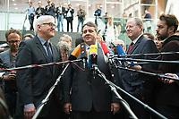 """15 MAY 2012, BERLIN/GERMANY:<br /> Frank-Walter Steinmeier (L), SPD Fraktionsvorsitzender, Sigmar Gabriel (M), SPD Parteivorsitzender, Peer Steinbrueck (R), SPD, Bundesminister a.D., beantworten nach der Pressekonferenz zum Thema """" Der Weg aus der Krise – Wachstum und Beschäftigung in Europa"""" noch weitere Fragen von Journalisten, Bundespressekonferenz<br /> IMAGE: 20120515-01-092<br /> KEYWORDS: Peer Steinbrück, Mikrofon, microphone"""