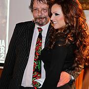 NLD/Amsterdam/20111201- Presentatie Tatjana Simic kalender, hoofdredacteur Frans Lomans en Tatjana