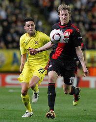 17.03.2011, El Madrigal, Villarreal, ESP, UEFA EL, FC Villarreal vs Bayer 04 Leverkusen, im Bild Villareal's Bruno Soriano (l) and Bayer 04 Leverkusen's Stefan Kiessling during UEFA Europa League match.March 17,2011. . EXPA Pictures © 2011, PhotoCredit: EXPA/ Alterphotos/ Acero +++++ ATTENTION - OUT OF SPAIN / ESP +++++