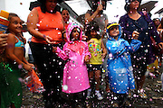 Mariana_MG, 08 de Marco de 2011...CARNAVAL 2011 - BLOCONECO DO CATIN ..Bonecos do bloconeco do catin desfilam pelas ruas historicas de mariana.Esse ano o bloco trouxe o boneco do ex presidente Lula que se apresentou jogando capoeira...FOTO: MARCUS DESIMONI / NITRO.