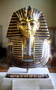 Tutankhmun (Tutankamen), king of Egypt,  reigned 1361-1352 BC. Gold and lapis lazuli funerary mask