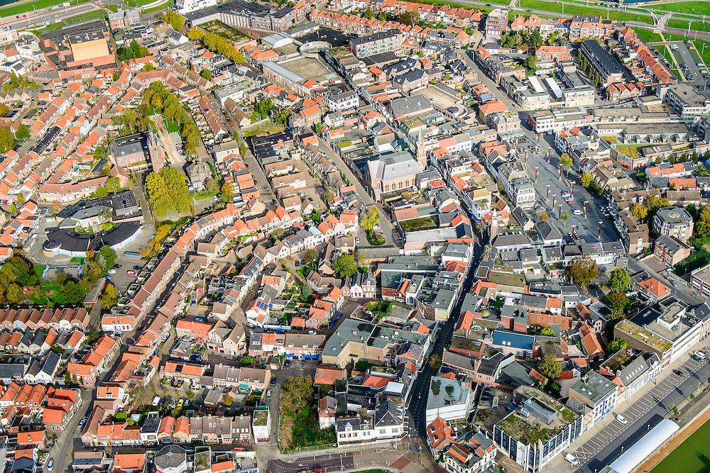 Nederland, Zeeland, Zeeuws-Vlaanderen, 19-10-2014; centrum Terneuzen. Iets rechts van het midden diagonaal met bocht de Noordstraat, rechts de Markt.<br /> Downtown Terneuzen  with its mainstreet Noordstraat.<br /> luchtfoto (toeslag op standard tarieven);<br /> aerial photo (additional fee required);<br /> copyright foto/photo Siebe Swart