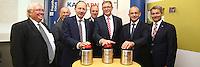 Mannheim. 10.09.15 Mannheim, Ludwigshafen und BASF SE informieren bei Gro&szlig;schadenslagen k&uuml;nftig &uuml;ber gemeinsames Warnsystem KATWARN<br /> <br /> Gemeinsames Warnsystem f&uuml;r weltgr&ouml;&szlig;ten Chemiestandort und angrenzende St&auml;dte<br />  <br /> Mannheim, Ludwigshafen und BASF SE informieren bei Gro&szlig;schadenslagen k&uuml;nftig &uuml;ber KATWARN &ndash; Das Warnsystem benachrichtigt B&uuml;rgerinnen und B&uuml;rger kostenlos per App<br />  <br /> Die St&auml;dte Mannheim und Ludwigshafen sowie der weltgr&ouml;&szlig;te Chemiekonzern BASF SE verwenden k&uuml;nftig das System KATWARN als zus&auml;tzlichen &Uuml;bertragungskanal, um die Menschen bei Gro&szlig;gefahrenlagen zu unterrichten. Mannheims Erster B&uuml;rgermeister und Feuerwehrdezernent Christian Specht, Ludwigshafens Beigeordneter und K&auml;mmerer Dieter Feid sowie Rolf Haselhorst, Leiter der BASF-Werkfeuerwehr, stellten am Donnerstag, 10. September 2015, vor, wie die Zusammenarbeit der drei Partner bei der Verwendung des Warnsystems erfolgt und welche Informationsm&ouml;glichkeiten es in Krisenf&auml;llen mit KATWARN gibt.<br /> - v.l. Ortwin Neuschwander, Christian Specht, Karlheinz Gramm, Ralf Haselhorst, Dieter Feid und Prof. Edgar Bohn<br /> Bild: Markus Pro&szlig;witz 10SEP15 / masterpress (Bild ist honorarpflichtig)