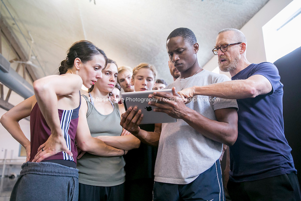 10/2/15 3:56:43 PM -- Hubbard Street Dance Chicago <br /> <br /> Choreographer William Forsythe in studio with the main company. <br /> <br /> . &copy; Todd Rosenberg Photography 2015