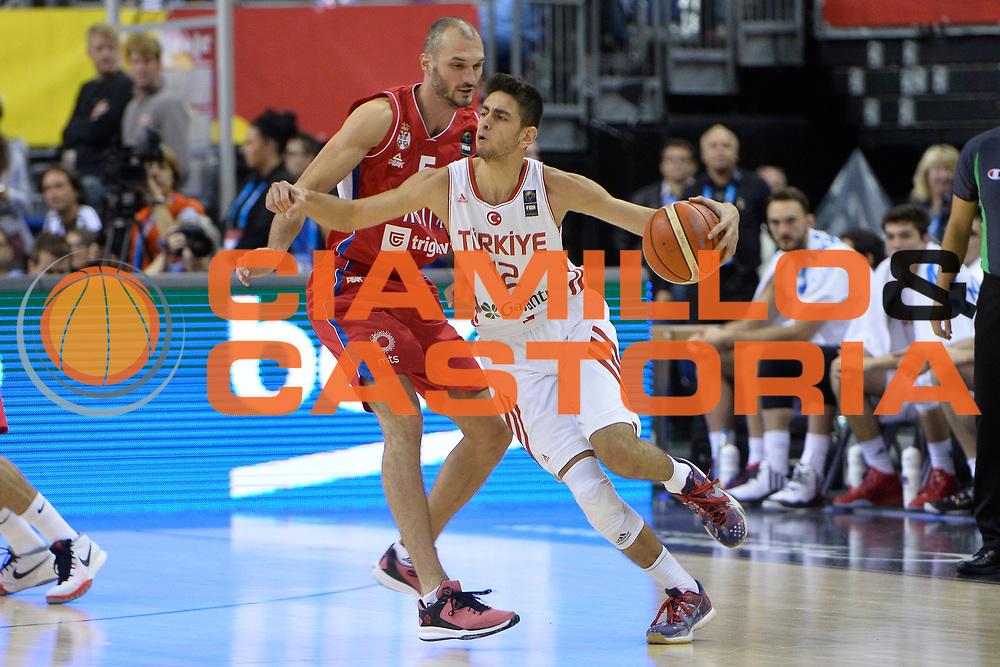DESCRIZIONE : Berlino Berlin Eurobasket 2015 Group B Turkey Serbia<br /> GIOCATORE :  Furkan Korkmaz<br /> CATEGORIA : Controcampo palleggio difesa<br /> SQUADRA : Turkey<br /> EVENTO : Eurobasket 2015 Group B <br /> GARA : Turkey Serbia<br /> DATA : 09/09/2015 <br /> SPORT : Pallacanestro <br /> AUTORE : Agenzia Ciamillo-Castoria/I.Mancini <br /> Galleria : Eurobasket 2015 <br /> Fotonotizia : Berlino Berlin Eurobasket 2015 Group B Turkey Serbia