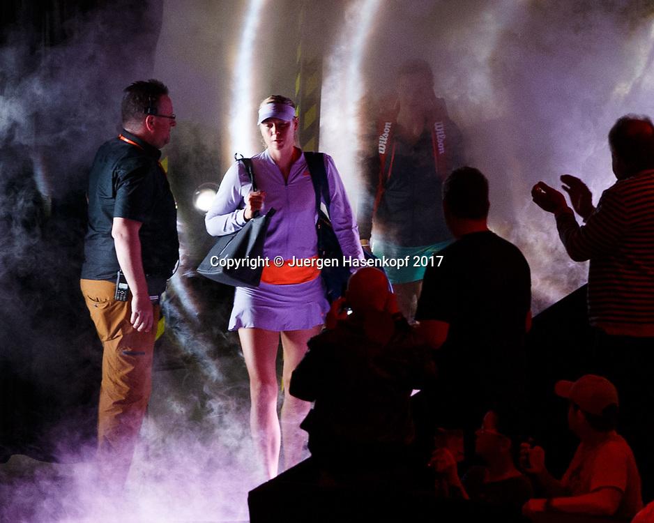 MARIA SHARAPOVA (RUS) betritt den Platz im Nebel,Rauch,<br /> <br /> Tennis - Porsche  Tennis Grand Prix 2017 -  WTA -  Porsche-Arena - Stuttgart -  - Germany  - 27 April 2017.