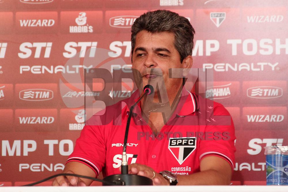 SAO PAULO, 05 DE FEVEREIRO, 2013  - TREINO SÃO PAULO -  COLETIVA NEY FRANCO -  O tecnico Ney Franco durante coletiva de imprensa, na tarde dessa terça-feira(05), no CT da Barra Funda. A equipe se prepara para enfrentar o Ponte Preta, próximo dia 06, no estadio do Morumbi,   válido pela 6ª rodada do campeonato paulista - FOTO: LOLA OLIVEIRA-BRAZIL PHOTO PRESS