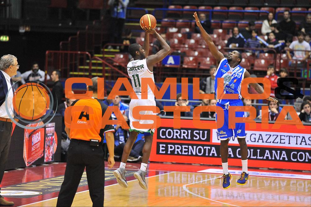 DESCRIZIONE : Milano Final Eight Coppa Italia 2014 Finale Montepaschi Siena - Dinamo Banco di Sardegna Sassari<br /> GIOCATORE : Josh Carter<br /> CATEGORIA : Tiro Tre Punti<br /> SQUADRA : Montepaschi Siena<br /> EVENTO : Final Eight Coppa Italia 2014 Milano<br /> GARA : Montepaschi Siena - Dinamo Banco di Sardegna Sassari<br /> DATA : 09/02/2014<br /> SPORT : Pallacanestro <br /> AUTORE : Agenzia Ciamillo-Castoria / Luigi Canu<br /> Galleria : Final Eight Coppa Italia 2014 Milano<br /> Fotonotizia : Milano Final Eight Coppa Italia 2014 Finale Montepaschi Siena - Dinamo Banco di Sardegna Sassari<br /> Predefinita :