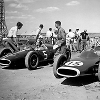 #5 Alfa Special driven by Peter de Klerk, #15 is the LDS Alfa (chassis #1) of Sam Tingle at the Rand Autumn Trophy at Kyalami, South Africa, 17 March 1962