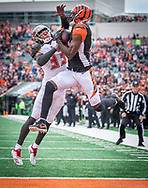 Cincinnati wide receiver A.J. Green (18) catches a touchdown pass during the first half of an NFL football game against Tampa Bay in Cincinnati, Oh, Saturday, Oct. 28, 2018. (AP Photo/Bryan Woolston)