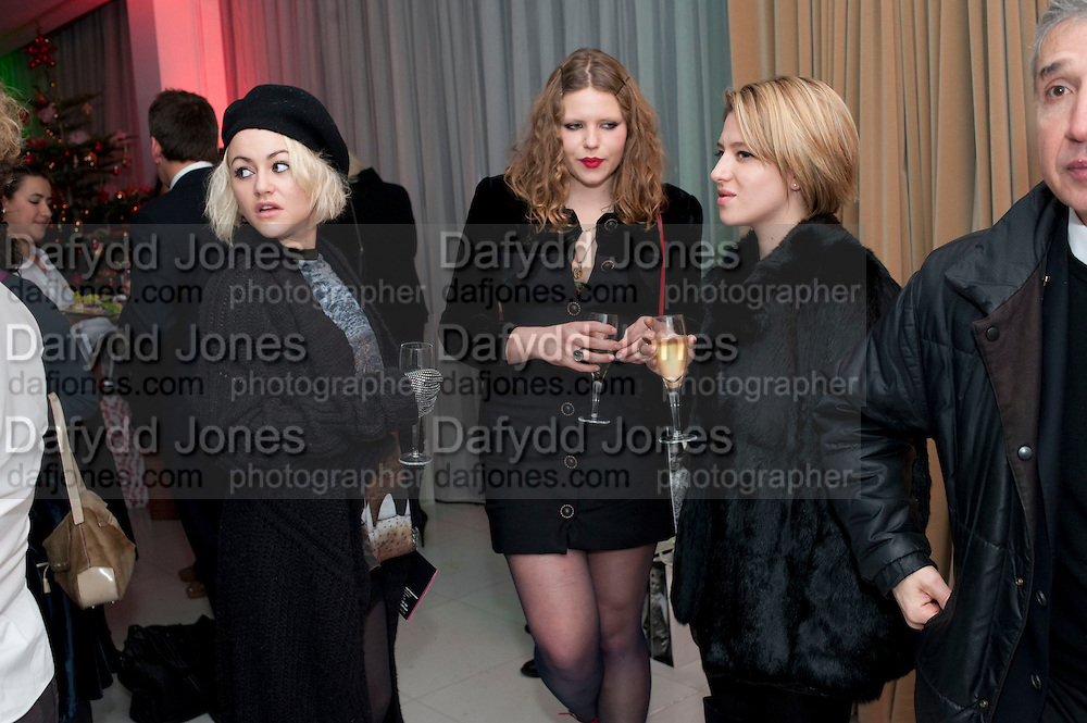 JAMIE WINSTONE; MARGOT BOWMAN; RUTH CARNAC,  English National Ballet launches its Christmas season with a partyu before s performance of The Nutcracker at the Coliseum.  St. Martin's Lane Hotel.  London. 16 December 2009 *** Local Caption *** -DO NOT ARCHIVE-© Copyright Photograph by Dafydd Jones. 248 Clapham Rd. London SW9 0PZ. Tel 0207 820 0771. www.dafjones.com.<br /> JAMIE WINSTONE; MARGOT BOWMAN; RUTH CARNAC,  English National Ballet launches its Christmas season with a partyu before s performance of The Nutcracker at the Coliseum.  St. Martin's Lane Hotel.  London. 16 December 2009