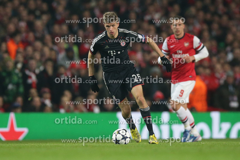 19.02.2013, Emirates Stadion, London, ENG, UEFA Champions League, FC Arsenal vs FC Bayern Muenchen, Achtelfinale Hinspiel, im Bild, Thomas MUELLER (FC Bayern Muenchen - 25) am Ball // during the UEFA Champions League last sixteen first leg match between Arsenal FC and FC Bayern Munich at the Emirates Stadium, London, Great Britain on 2013/02/19. EXPA Pictures © 2013, PhotoCredit: EXPA/ Eibner/ Gerry Schmit..***** ATTENTION - OUT OF GER *****