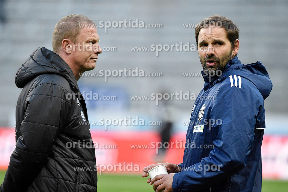 20.03.2015, Allianz Arena, M&uuml;nchen, GER, 2. FBL, 1860 Muenchen vs VfR Aalen, 26. Runde, im Bild Stefan Ruthenbeck, Trainer (VFR Aalen), Torsten Froehling, Trainer (TSV 1860 Muenchen), v.li. im Gespraech // during the 2nd German Bundesliga 26th round match between 1860 Muenchen and VfR Aalen at the Allianz Arena in M&uuml;nchen, Germany on 2015/03/20. EXPA Pictures &copy; 2015, PhotoCredit: EXPA/ Eibner-Pressefoto/ Buthmann<br /> <br /> *****ATTENTION - OUT of GER*****