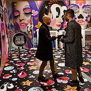 Le stand de MAC Cosmetics au Fashion Hub Market pendant la semaine de la mode femme de Milan