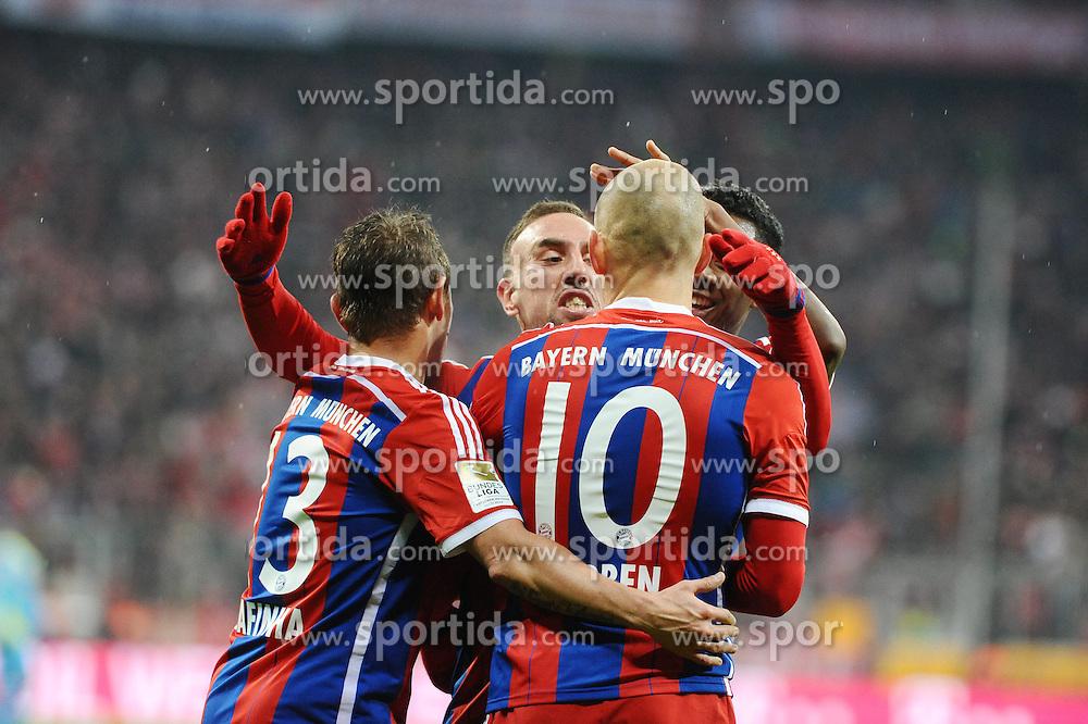27.02.2015, Allianz Arena, Muenchen, GER, 1. FBL, FC Bayern Muenchen vs 1. FC K&ouml;ln, 23. Runde, im Bild vl. Freude bei Rafinha (FC Bayern Muenchen), Franck Ribery (FC Bayern Muenchen und Arjen Robben (FC Bayern Muenchen) nach dem Tor zum 3:1 durch Arjen Robben (FC Bayern Muenchen) // during the German Bundesliga 23rd round match between FC Bayern Munich and 1. FC K&ouml;ln at the Allianz Arena in Muenchen, Germany on 2015/02/27. EXPA Pictures &copy; 2015, PhotoCredit: EXPA/ Eibner-Pressefoto/ EXPA/ Stuetzle<br /> <br /> *****ATTENTION - OUT of GER*****