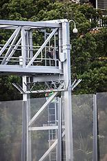 Auckland-Man climbs onto Harbour Bridge Gantry causing 20km traffic backups