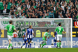 29.10.2011,Volkswagen Arena, Wolfsburg, GER, 1.FBL, VFL Wolfsburg vs Hertha BSC Berlin, im Bild  Mario Mandzukic (Wolfsburg #18) trifft zum 1 zu 1 .// during the match from GER, 1.FBL,VFL Wolfsburg vs Hertha BSC Berlin  on 2011/10/29, Volkswagen Arena, Wolfsburg, Germany..EXPA Pictures © 2011, PhotoCredit: EXPA/ nph/  Schrader       ****** out of GER / CRO  / BEL ******