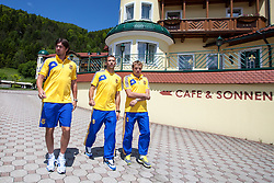25.05.2012, Hotel Seeresidenz, Walchsee, AUT, UEFA EURO 2012, Trainingscamp, Ukraine, Training, im Bild Artem Milevskiy, Andriy Shevchenko und Oleg Gusev // during the arrival at the Hotel Seeresidenz of Ukraine National Footballteam for preparation UEFA EURO 2012 at Hotel Seeresidenz, Walchsee, Austria on 2012/05/25. EXPA Pictures © 2012, PhotoCredit: EXPA/ Juergen Feichter