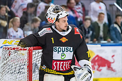 09.04.2019, Eisarena, Salzburg, AUT, EBEL, EC Red Bull Salzburg vs Vienna Capitals, Halbfinale, 6. Spiel, im Bild Jean Philippe Lamoureux (Vienna Capitals) // during the Erste Bank Icehockey 6th semifinal match between EC Red Bull Salzburg vs Vienna Capitals at the Eisarena in Salzburg, Austria on 2019/04/09. EXPA Pictures © 2019, PhotoCredit: EXPA/ JFK