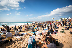 October 20, 2018 - Peniche, Portugal - The beach of the Supertubos was full of public to watch the championship. (Credit Image: © Henrique Casinhas/NurPhoto via ZUMA Press)