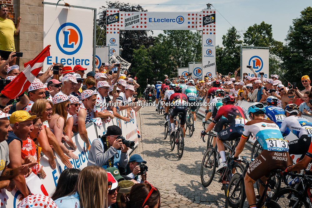 Peloton with Luke Rowe (GBR) of Team Ineos (GBR,WT,Pinarello) at the Muur van Geraardsbergen during stage 1 from Bruxelles to Brussel of the 106th Tour de France, 6 July 2019. Photo by Pim Nijland / PelotonPhotos.com | All photos usage must carry mandatory copyright credit (Peloton Photos | Pim Nijland)