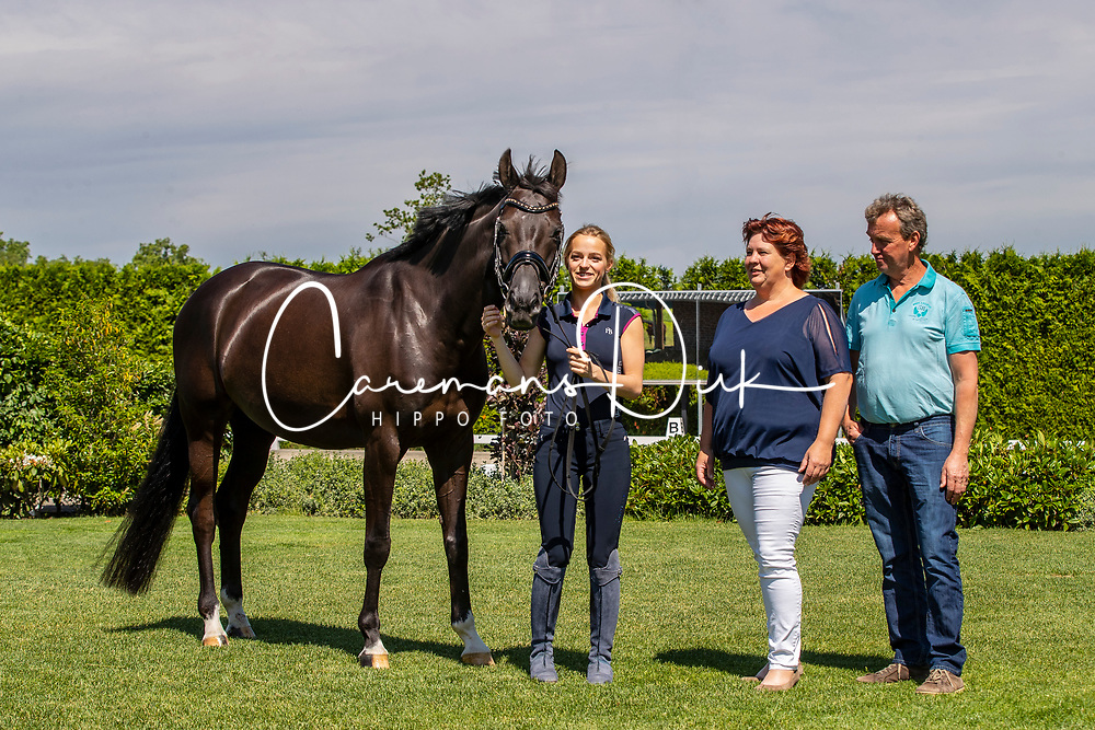 Donkers Esmee, NED, Chaina<br /> Stal Donkers - Venray 2019<br /> © Hippo Foto - Dirk Caremans<br /> 07/06/2019