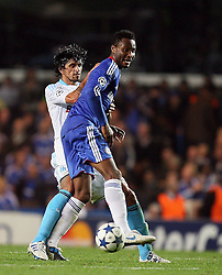 28.09.2010, Stamford Bridge, London, ENG, UEFA Champions League, Chelsea vs Olympique Marseille, im Bild Mikel John Obi of Chelsea  and OM's Lucho Gonzalez   during the Match Chelsea v Marseille, Group F, of  the UCL ( Uefa Champions League Group stages)  at Stamford Bridge in London. EXPA Pictures © 2010, PhotoCredit: EXPA/ IPS/ Marcello Pozzetti +++++ ATTENTION - OUT OF ENGLAND/UK +++++ / SPORTIDA PHOTO AGENCY