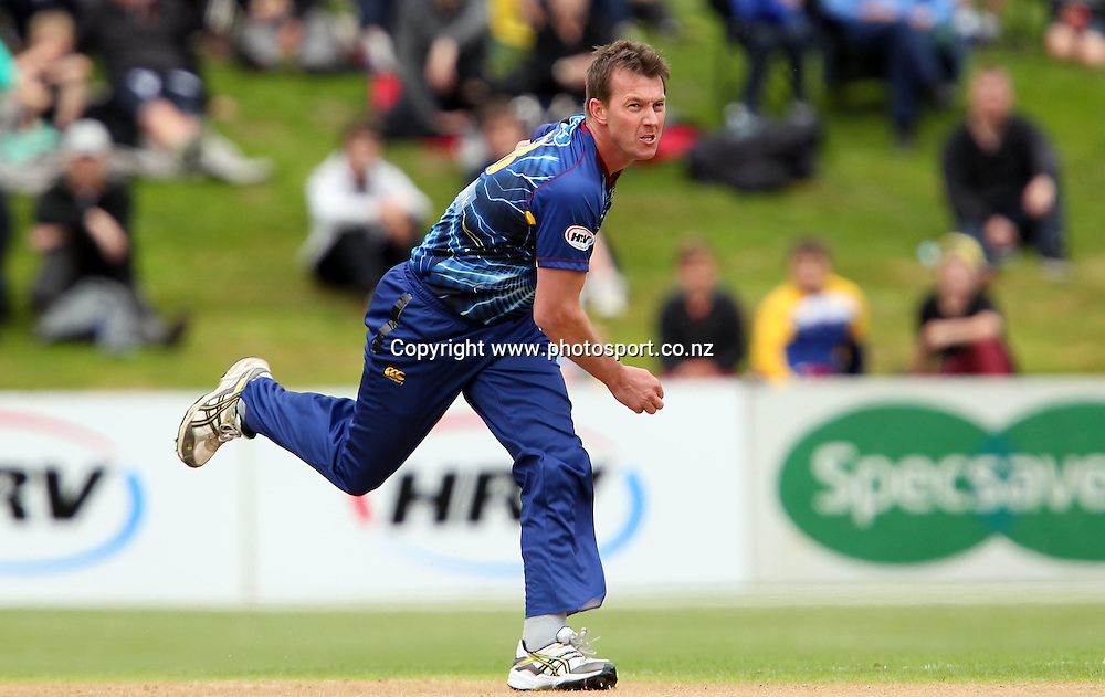 Brett Lee in action for the Volts.<br /> Twenty20 Cricket - HRV Cup, Otago Volts v Canterbury Wizards, 15 January 2013, University Oval, Dunedin, New Zealand.<br /> Photo: Rob Jefferies / photosport.co.nz