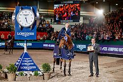 LYNCH Denis (IRL), GC Chopin´s Bushi, ECKERT Rainer (LONGINES Deutschland)<br /> Leipzig - Partner Pferd 2020<br /> Siegerehrung<br /> Longines FEI Jumping World Cup™ presented by Sparkasse<br /> Sparkassen Cup - Großer Preis von Leipzig FEI Jumping World Cup™ Wertungsprüfung <br /> Springprüfung mit Stechen, international<br /> Höhe: 1.55 m<br /> 19. Januar 2020<br /> © www.sportfotos-lafrentz.de/Stefan Lafrentz