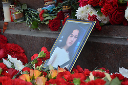 April 4, 2017 - Saint Petersburg, Russia - April 4, 2017. - Russia, Saint Petersburg. - People lay flowers and light candles at Tekhnologichesky Institut metro station in memory of the victims of the explosion in the St. Petersburg metro. (Credit Image: © Russian Look via ZUMA Wire)
