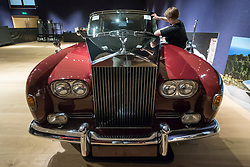 "© Licensed to London News Pictures. 29/11/2018. LONDON, UK. A technician prepares a 1979 Rolls-Royce Phantom VI limousine (Est. GBP250,000-300,000). Preview of a sale of ""Fine Collectors' Motor Cars"" at Bonhams, New Bond Street.  30 vehicles will be offered for sale on 1 December.  Photo credit: Stephen Chung/LNP"