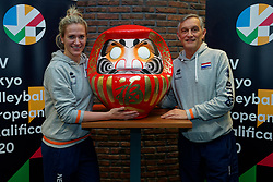 06–01-2020 NED: CEV Tokyo Volleyball European Qualification Women, Apeldoorn<br /> Press moment and representatives of the eight national teams for one spot Tokyo 2020 / Maret Balkestein-Grothues #6 of Netherlands, Coach Giovanni Caprara of Netherlands and Daruma, the founder of the Zen.
