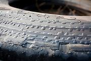 Nepomuceno_MG, Brasil...Detalhe de pneus em uma rodovia em Nepomuceno...Tires detail on a highway in Nepomuceno...Foto: LEO DRUMOND / NITRO.....