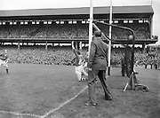 Neg No:.573/7856-7864...15081954AISFCSF...15.08.1954...All Ireland Senior Football Championship - Semi-Final.Kerry.2-6.Galway.1-6
