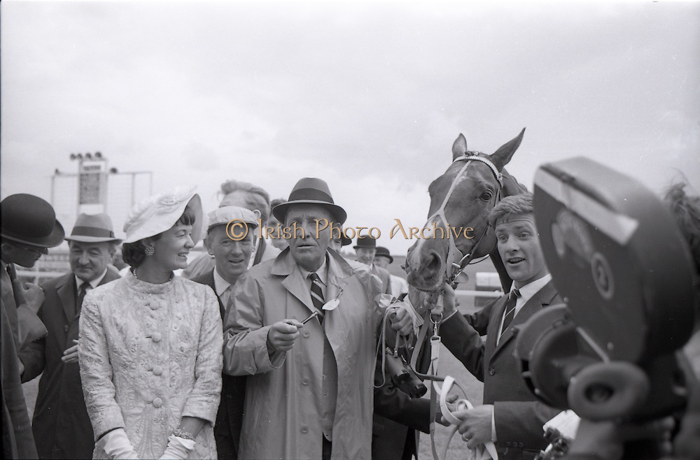26/06/1965<br /> 06/26/1965<br /> 26 June 1965<br /> Irish Sweeps Derby at the Curragh Race Course, Co. Kildare. Image shows &quot;Meadow Court&quot; winner of the Irish Sweeps Derby with Mrs Frank McMahon and Bing Crosby, joint owners.  Paddy Pendergast, trainer is second from left.
