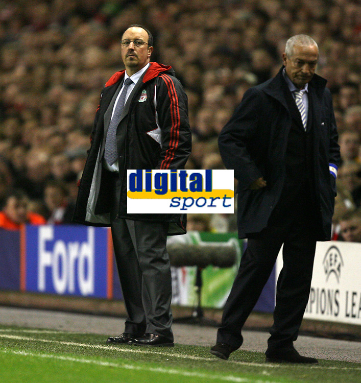 Photo: Paul Greenwood/Sportsbeat Images.<br />Liverpool v Porto. UEFA Champions League. 28/11/2007.<br />Liverpool Coach Rafael Benitez, , left and Porto's coach Jesualdo Ferreira