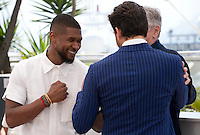 Usher Raymond IV, Robert De Niro and Édgar Ramírez at the Hands Of Stone film photo call at the 69th Cannes Film Festival Monday 16th May 2016, Cannes, France. Photography: Doreen Kennedy