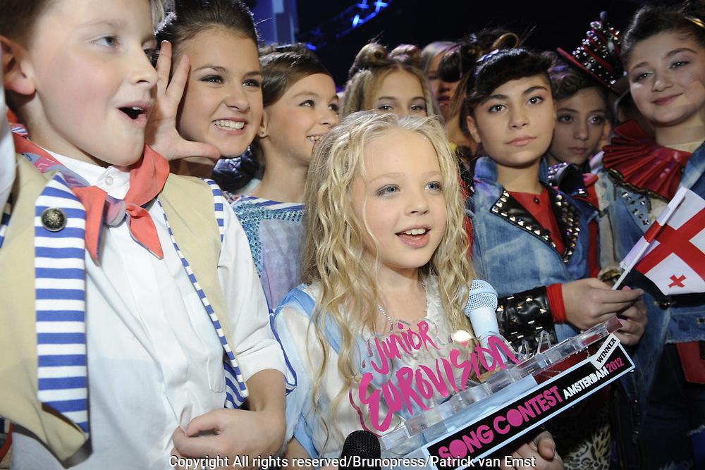 Uitslag van het Junior Eurovisie Songfestival 2012 in de Heineken Music Hall.<br /> <br /> op de foto:   Winnares van het Junior Eurovisie Songfestival. Anastasiya Petryk uit de OekraIne