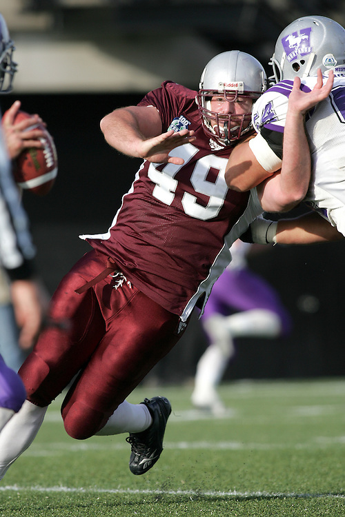 (3 November 2007 -- Ottawa) The University of Ottawa Gee Gees lost to the University of Western Ontario Mustangs 16-23 in OUA football semi-final action in Ottawa. The University of Ottawa Gee Gee player pictured in action is Daniel Kennedy
