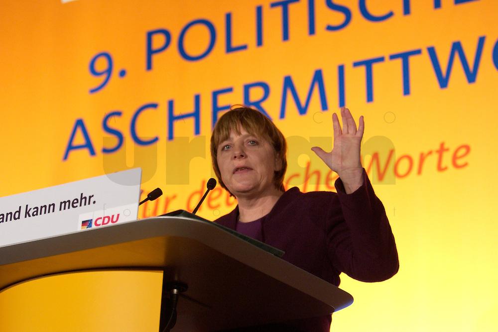 25 FEB 2004, DEMMIN/GERMANY:<br /> Angela Merkel, CDU Bundesvorsitzende, haelt eine Rede, Politischer Aschermittwoch der CDU Mecklenburg-Vorpommern, Tennis- und Squash Center Demmin<br /> IMAGE: 20040225-02-020<br /> KEYWORDS: speech